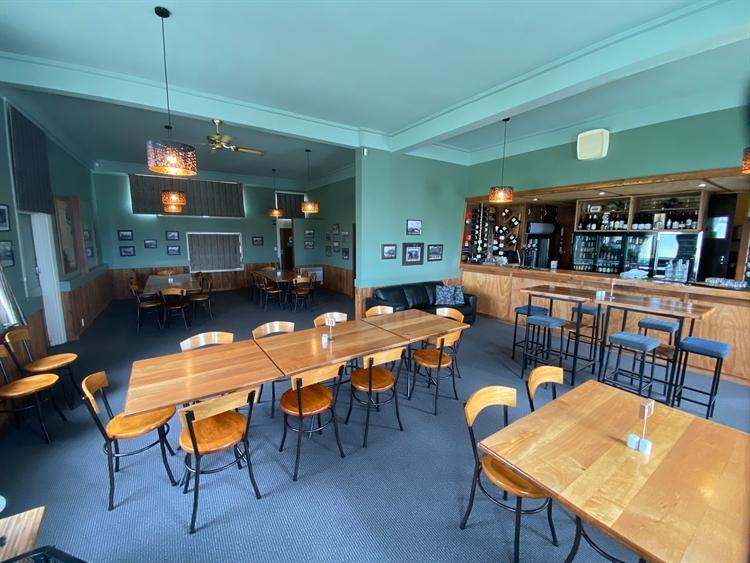 fhgc hotel tavern bar - 9