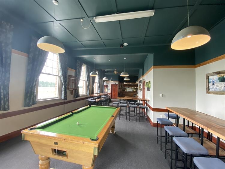 fhgc hotel tavern bar - 7