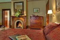 luxury accommodation business heart - 3