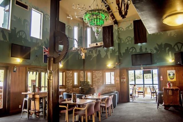 bigfoot restaurant glacier inn - 7
