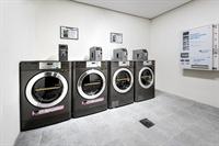 coin laundry altona 4963456 - 1