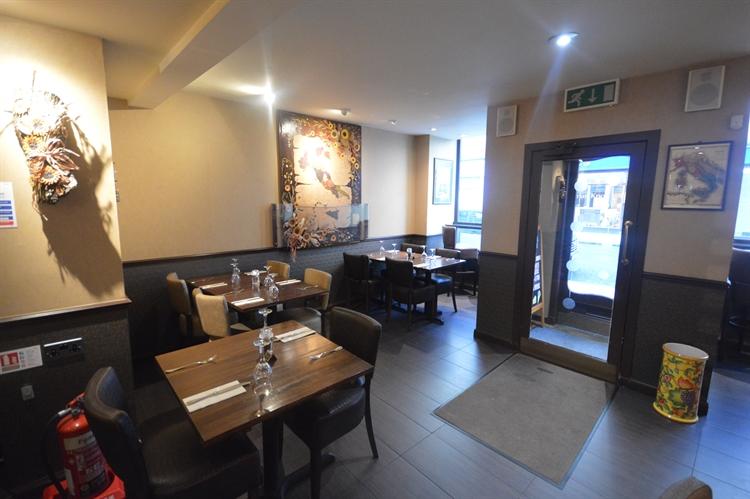 beautifully presented perth restaurant - 5