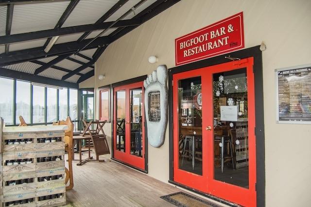 bigfoot restaurant glacier inn - 6