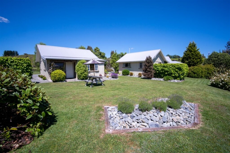 bluethistle cottages freehold going - 6