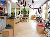 Shoe Shop Of 92m2 In Le Mans For Sale