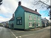 Well Located & Beautifully Presented Character Freehouse For Lease